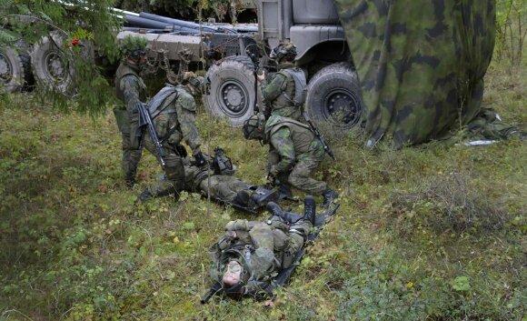 Suomijos kariai pratybose