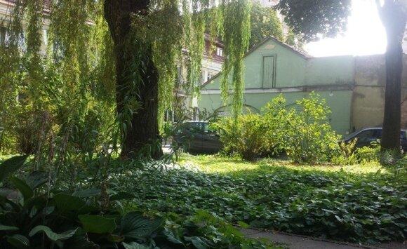 """<span style=""""color: #ff0000;"""">""""Garden Style""""</span>: kelios gudrybės, kad kiemas atrodytų prabangus ir estetiškas"""