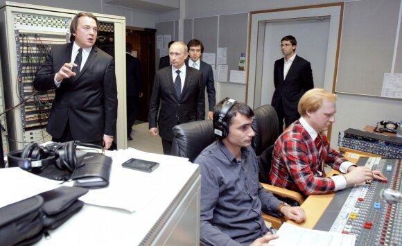 Konstantinas Ernstas, Vladimiras Putinas