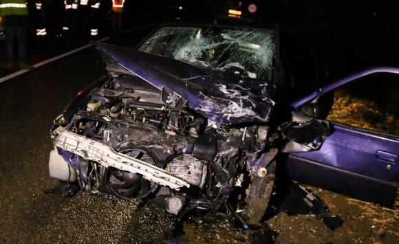Ties Maišiagala kaktomuša susidūrė automobiliai, trys žmonės ligoninėje