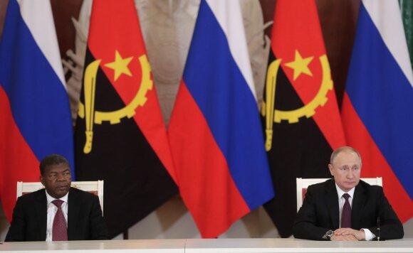 Vladimiras Putinas ir Angolos prezidentas Joao Manuelis Goncalvesas Lourenco