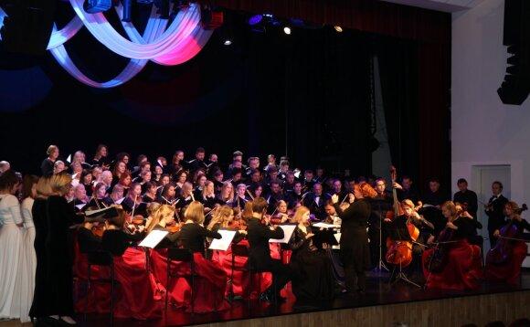 Pirmą kartą Plungėje suskambo unikali Baltijos šalių chorų programa