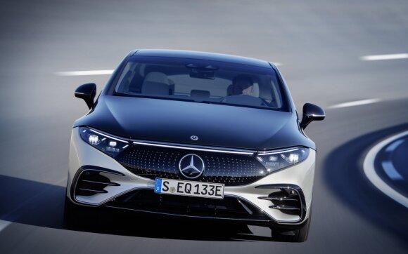 """Pristatytas """"Mercedes-Benz EQS"""" – pirmasis prabangus elektromobilis"""