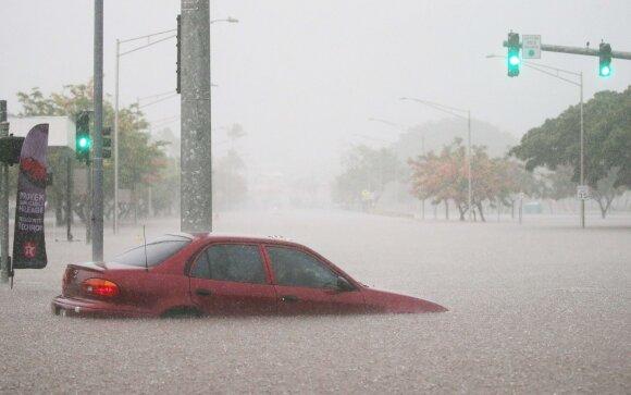 Dėl stipraus lietaus Havajuose kilo potvynis