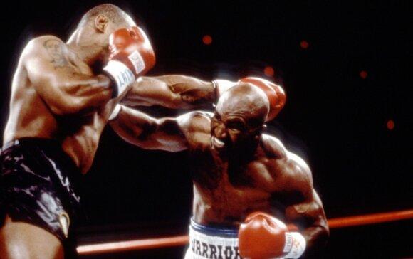 Mike'as Tysonas (kairėje) ir Evanderis Holyfieldas, 1997 m.