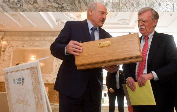 """Nauji Rusijos ir Baltarusijos manevrai: išmoktos """"Zapad"""" pamokos ir žinutė Nausėdai"""