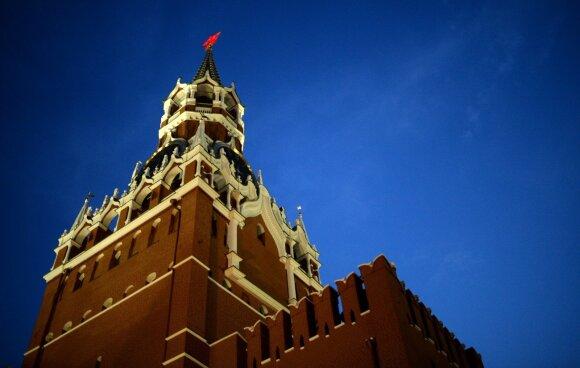 """Rusijos turtingiausieji verkia krokodilo ašaromis: durys į """"mažąją Maskvą"""" užsidaro"""