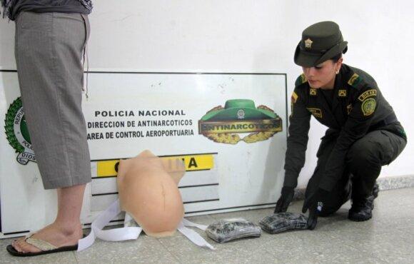 """Kolumbijoje sulaikyta moteris, """"nėščia"""" kokainu"""