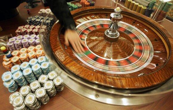 Juodoji lošimų rinka: dešimtis milijonų eurų lietuviai pradangina nežinia kur