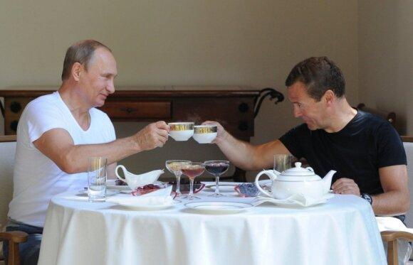V. Putinas ir D. Medvedevas Sočyje