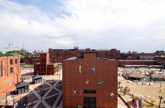 """Buvusiame tekstilės gamyklos komplekse pramogų, kultūros ir prekybos centras """"Manufaktura"""" veikia nuo 2006-ųjų"""