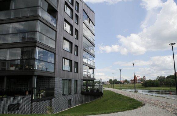 Sukrėtimas jau paveikė butų pardavimus: kokių kainų pokyčių laukti?