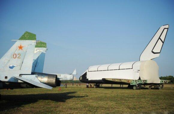 """Renovuotas """"Buran"""" modelis MAKS-2011 aviacijos parodoje"""