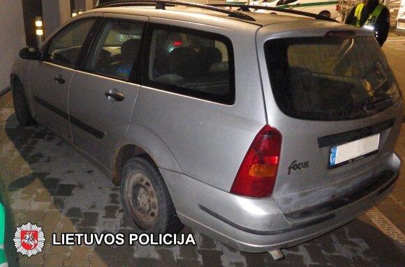 Degalus vogę keturi vyrai uždaryti į Vilniaus areštinę