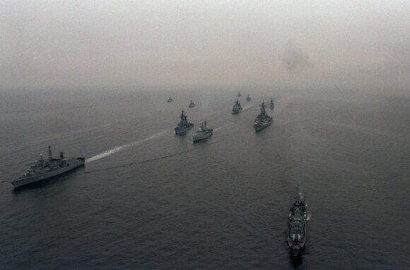 """Pratybos BALTOPS 1985, JAV karo laivas """"USS Iowa"""""""