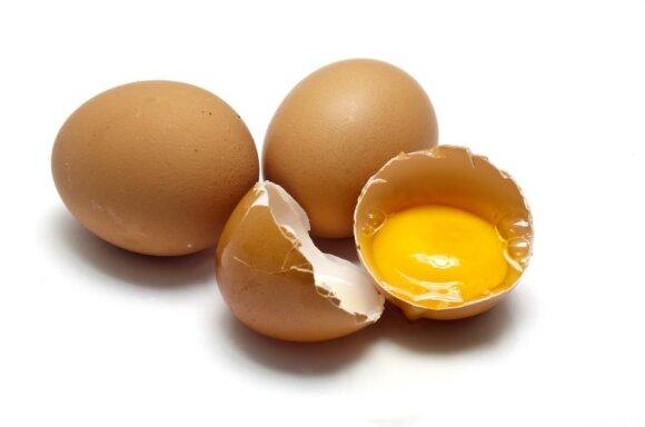 Nuo ko priklauso kiaušinio trynio spalva?