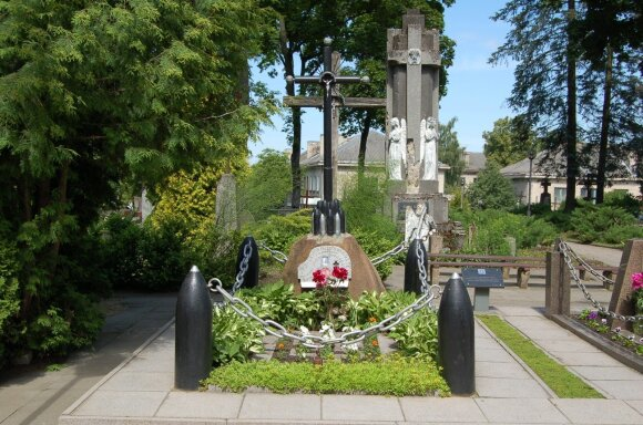 Pirmojo karininko, žuvusio Nepriklausomybės kovose, Antano Juozapavičiaus kapas – daugelis nežino, kur jis yra