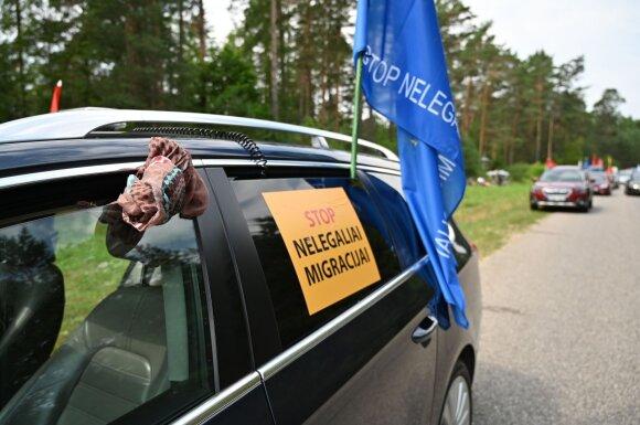 Šeimų maršo aktyvistai stovyklauja prie Druskininkų: skelbia, kad saugo Lietuvos sieną