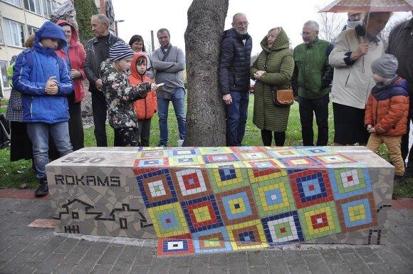 Rokiečiai – Rokams: bendruomenės suolelis
