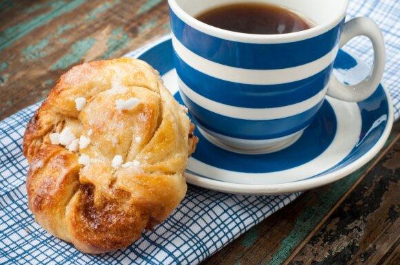 Švediškos bandelės su kava