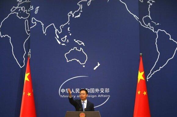 Dėl ryšių su Taivanu įsiutęs Pekinas siunčia raudonus signalus: grasina net branduoliniais smūgiais