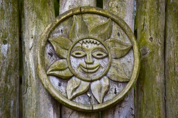 Saulė buvo labai svarbus simbolis. Dabar jį pakeitėme elektra