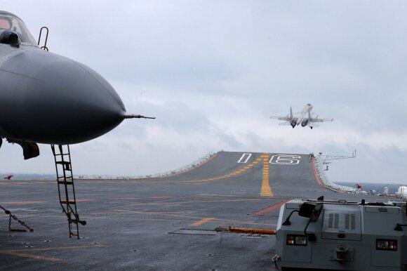 """Pirmasis Kinijos lėktuvnešis """"Liaoning"""""""