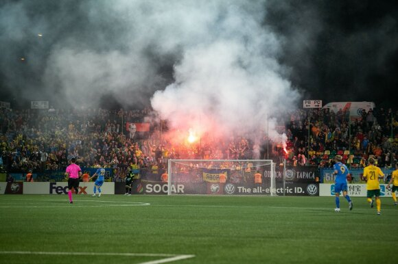 Praėjusį rugsėjį delgus LFF stadione degino Ukrainos rinktinės sirgaliai