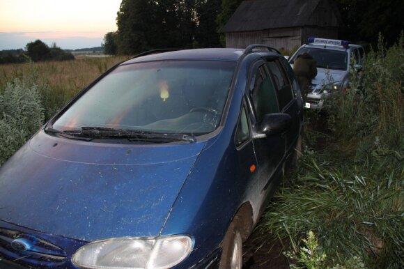 Aplinkosaugininkų sulaikytas automobilis