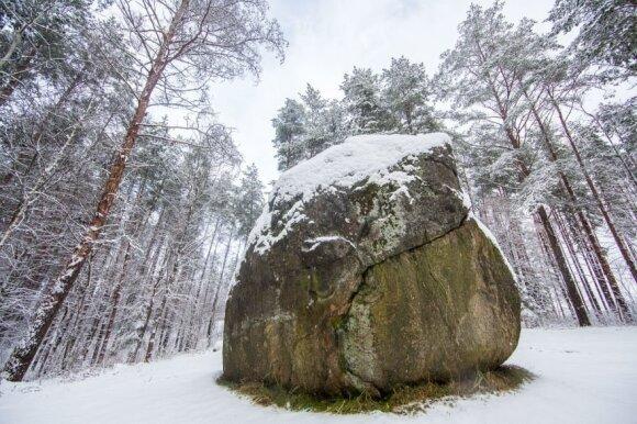 Žiemos maršrutai: 10 pačių didžiausių Lietuvos akmenų