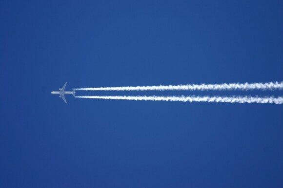Išskirtinis interviu su pilotu – apie keistą keleivių įprotį ploti, atlyginimą ir tai, ką veikia antrasis pilotas