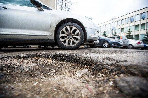 Kelionė į darbą baigėsi net neprasidėjusi: nukentėjusių vairuotojų gali būti ir daugiau