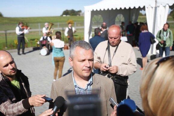 Žemės ūkio ministras: įmonė veterinaro už 5,5 tūkst. Lt ieškojo pusmetį