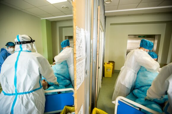 Veryga vardija tris didžiausias rizikas ir perspėja: po koronaviruso būna ir labai sudėtingų liekamųjų reiškinių