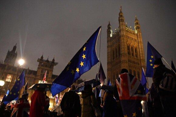 Britų parlamentas atmetė leiboristų pataisą
