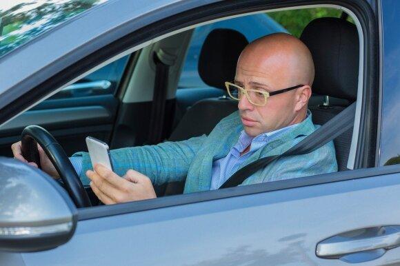 Ar vyrai geresni vairuotojai už moteris?