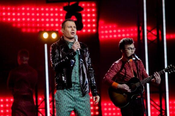 """""""Eurovizijos"""" atrankoje – nauji lyderiai: žiūrovų ir komisijos simpatijas užkariavo Monika Marija"""