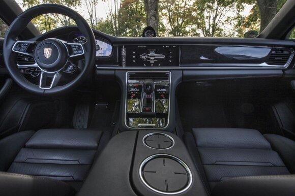 """Porsche Panamera 4S"""