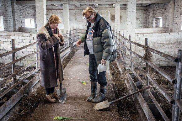 """Eglė Mikulionytė ir Vyto Ruginis. Filmo """"Stebuklas"""" filmavimas (Mato Astrausko nuotrauka)"""