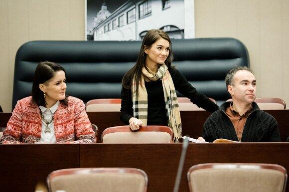 Ministerijoje budėjusi mokytoja Veronika grįžta pas mokinius: dirbs neatlygintinai