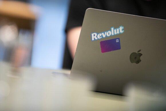 """""""Revolut"""" klientai praneša apie įšaldomas sąskaitas: pinigai sulaikomi, atsakymo nesulaukia"""