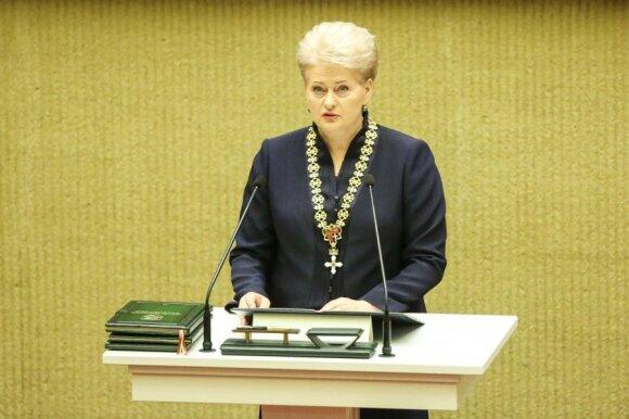 Грибаускайте принесла присягу: особое внимание - вопросам обороноспособности страны