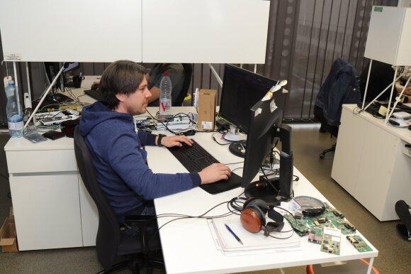 """Kaune veikiančiame JAV kompanijos """"Ubiquiti"""" padalinyje kuriama programinė įranga, testuojami ir tobulinami naujausi produktai."""
