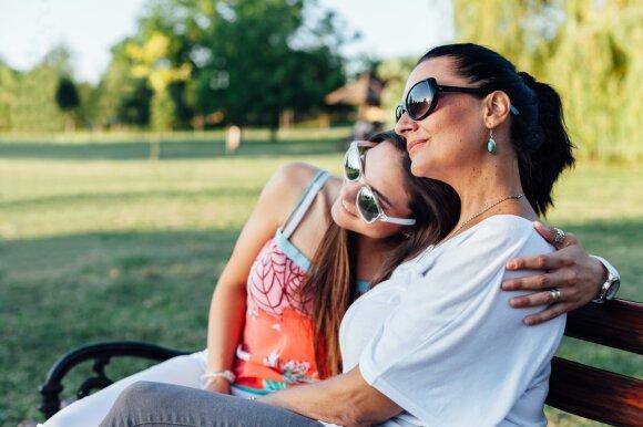 Kodėl bijome kalbėti apie pagarbą tėvams? Psichologė įsitikinusi, kad ją suvokiame iškreiptai ir dažnai kenkiame patys sau
