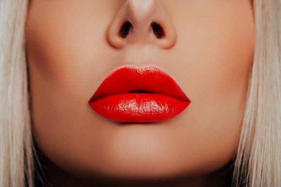 Raudonos lūpos