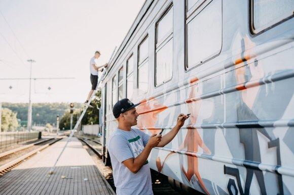 """""""Mitinio Kauno Žvėries"""" traukinys"""