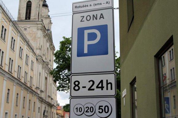 Parkavimas Kauno Rotušės aikštėje mokamas visą parą
