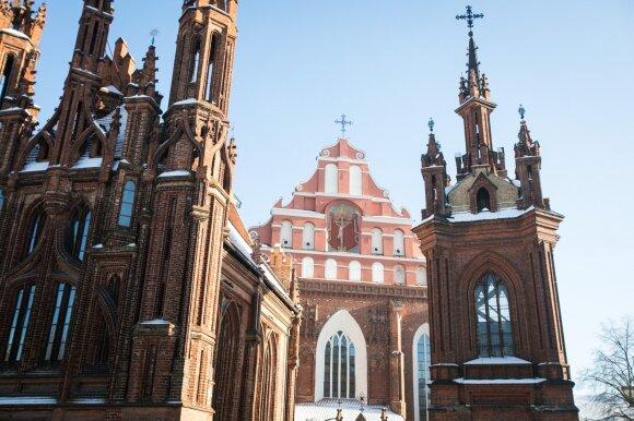 Pamilo dukart, bet vis tiek pasirinko vienuolio kelią: pokalbis su jauniausiu Lietuvos broliu pranciškonu