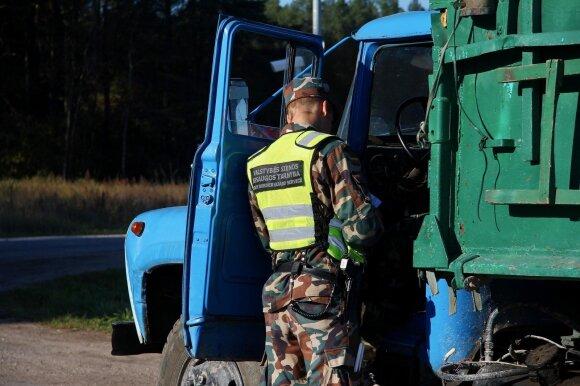 Valstybės sienos sargai kontrabandininkams: mes jus vis tiek pagausim