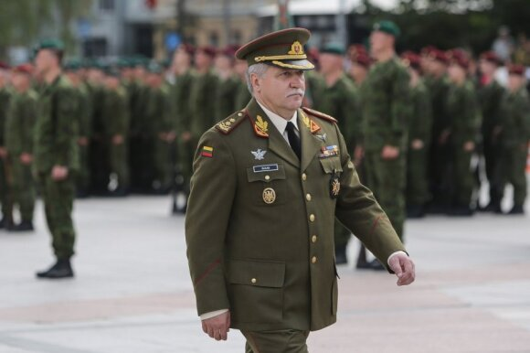 Kariuomenės vadas: Lietuvoje trūksta ne tik karių